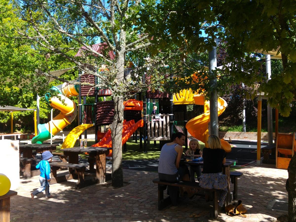 Reise nach Südafrika mit Kindern - Spielplätze gibt es in zahlreichen Restaurants