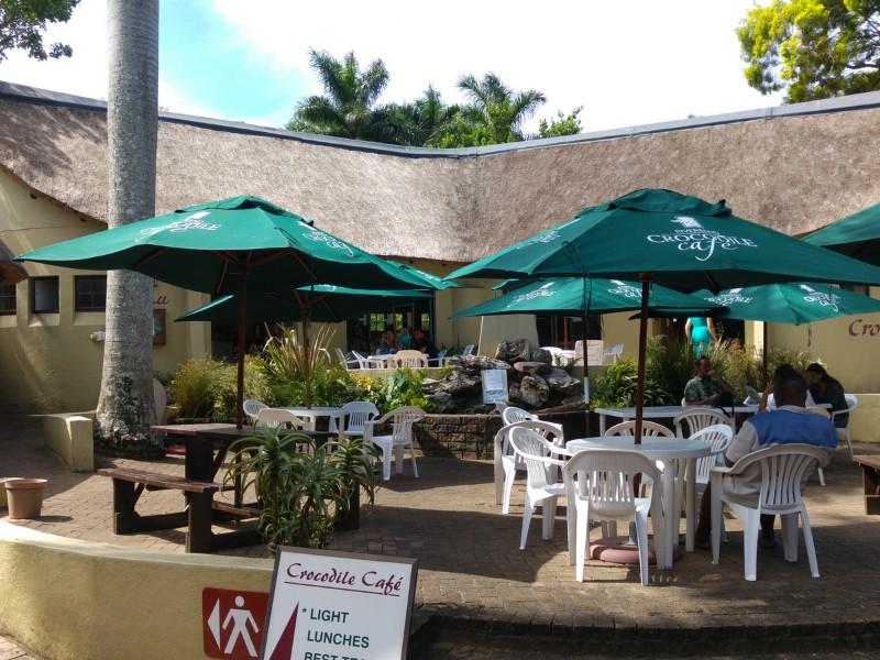 Suedafrika-Margate-Riverbend-Crocodile-Farm-Cafe