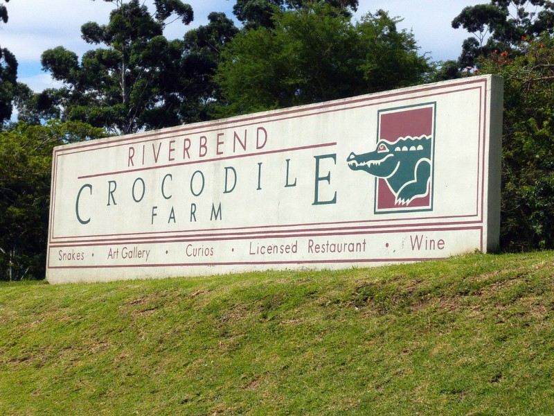 Suedafrika-Margate-Riverbend-Crocodile-Farm-Schild